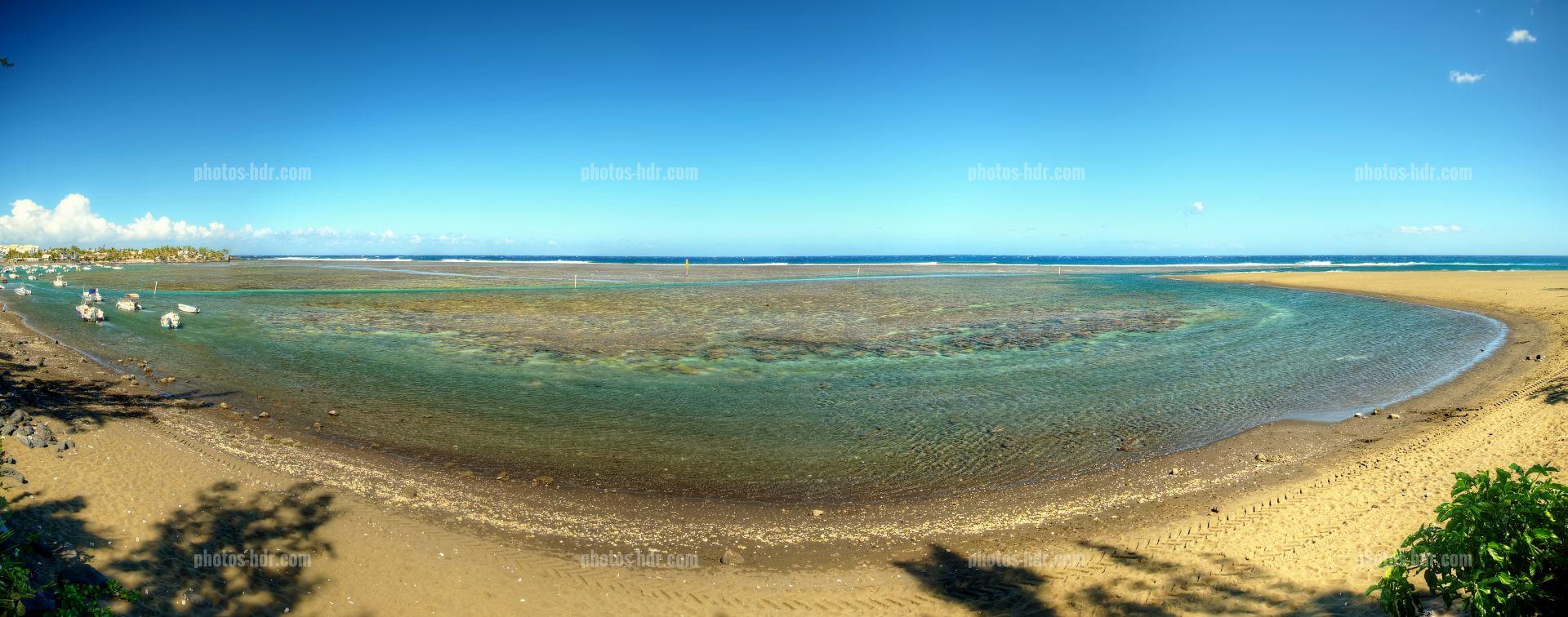 Photo bassin pirogue de l 39 tang sal les bains la for Bassin etang